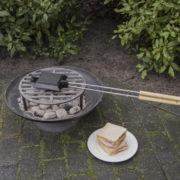 Toasting iron