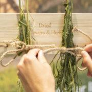 Blumen- und Kräutertrockner mit Seil