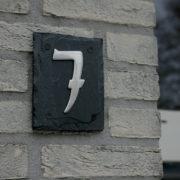 Leisteenplaat 1 huisnummer