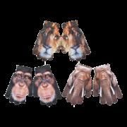 Children gloves out of Africa ass.
