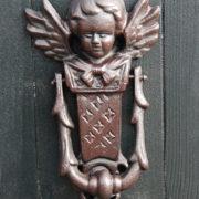 Doorknocker angel