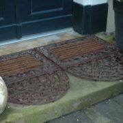 Doormat cast iron with coco brush