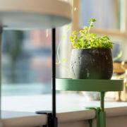 Runde grüne Fensterbankhalterung S
